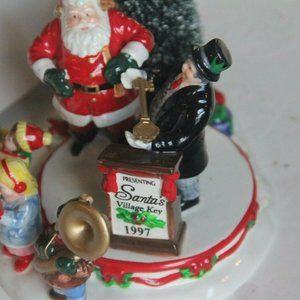 Department 56 Holiday - Dept 56 Snow Village Figurine 1997 Santa Comes To